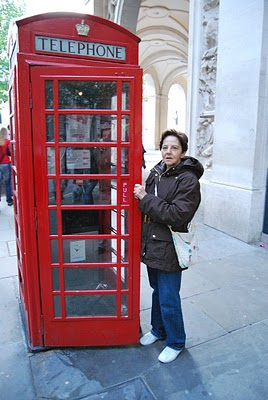 20101108180222-cabina-telefonica-tipica-de-londres.jpg