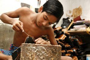 ALERTA: Trabajan tantos niños en el mundo como habitantes hay en Brasil