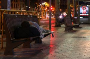Iniciativas locales para que nadie duerma en la calle en la Unión Europea