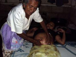 Las parteras son fundamentales para mejorar la salud materna e infantil