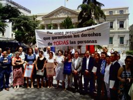 Más de 400 ONGD exigen unos presupuestos que respeten los derechos de todas las personas