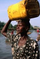 Exprimir África hasta la última gota: tras cada acaparamiento de tierra hay un acaparamiento de agua